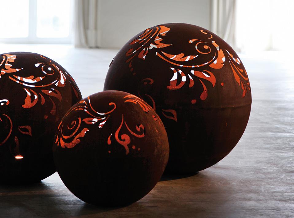 kugel mit barockmuster das schweizer online gartencenter. Black Bedroom Furniture Sets. Home Design Ideas